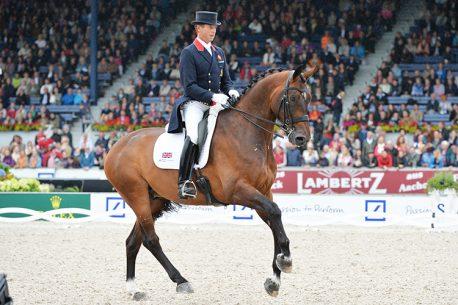 hesterniptuckch-1